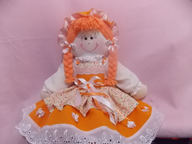 Boneca laranja 001