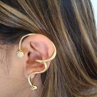 Ear Cuff Dourado com Strass