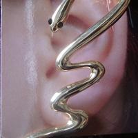 Ear Cuff Cobra Dourado com Strass