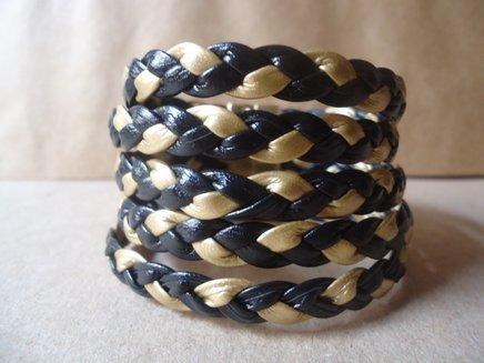 Bracelete em courinho preto trancado 1372632090052 big