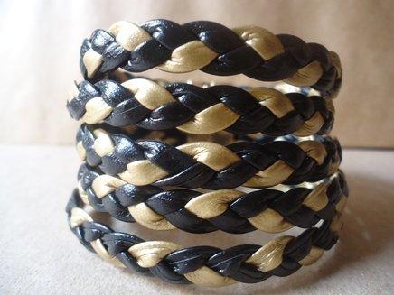 Bracelete em courinho preto trancado 1372632096254 big