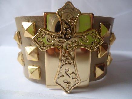 Bracelete cruz com spykes 1371033580251 big
