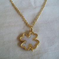 Gargantilha Trevo da sorte dourada