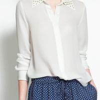 Camisa de Seda Branca ou Preta com Rebites Dourados spikes na Gola