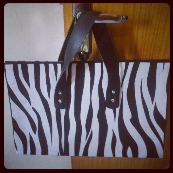 Bolsa grande zebrinha