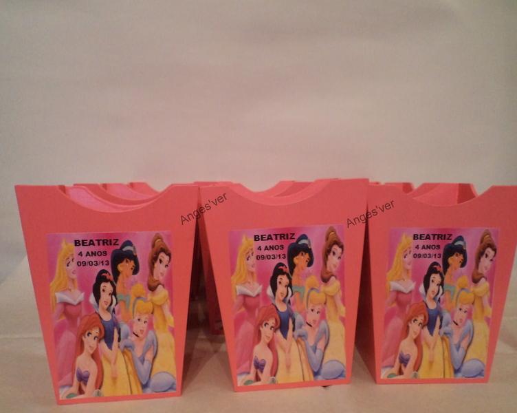 Dsc01252cachep%c3%95 princesas fundo branco