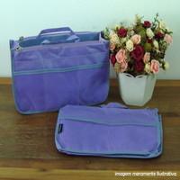 Organizador de bolsa lilás com divisórias