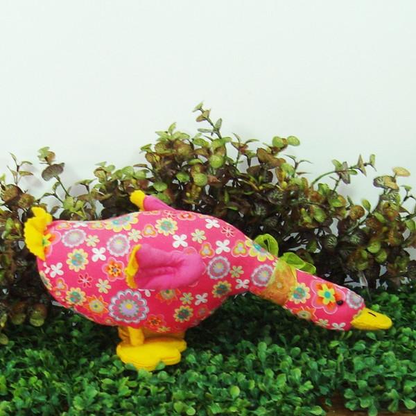 Pato floral rosa galinha