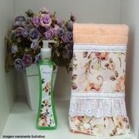 Toalha de lavabo com sabonete liquido