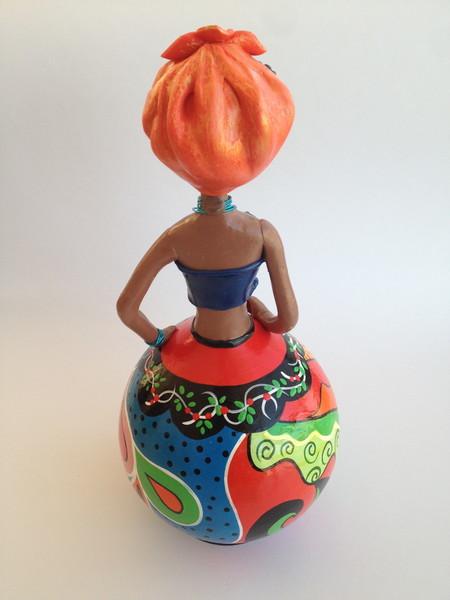 Boneca em cabaca lenco laranja boneca