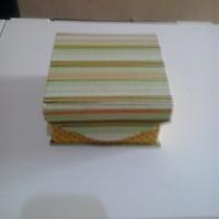 Caixa em cartonagem para pão de mel, bem casado, sabonetes.