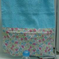 toalha lavabo com zipper e frascos para levar na bolsa