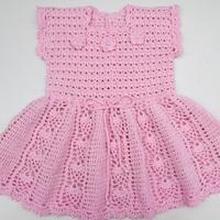 Vestido infantil em crochê - rosa claro